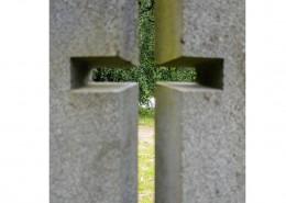 Harjun palaneen kirkon muistomerkki ja -laatta